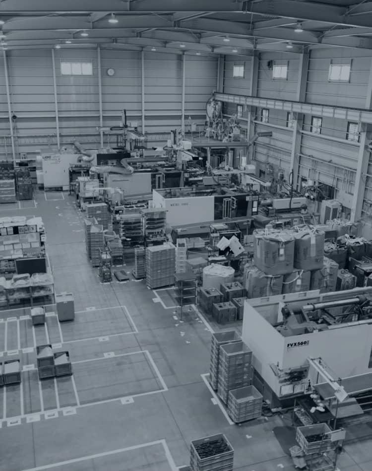 フジデノロモールド株式会社 / 「九州有数の設備」と品質で、プラスチック射出成形に革新を。